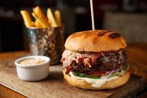 här-är-restaurangerna-med-stockholms-bästa-hamburgare